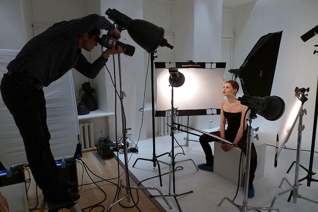 как фотографировать при сценическом свете экстравагантный