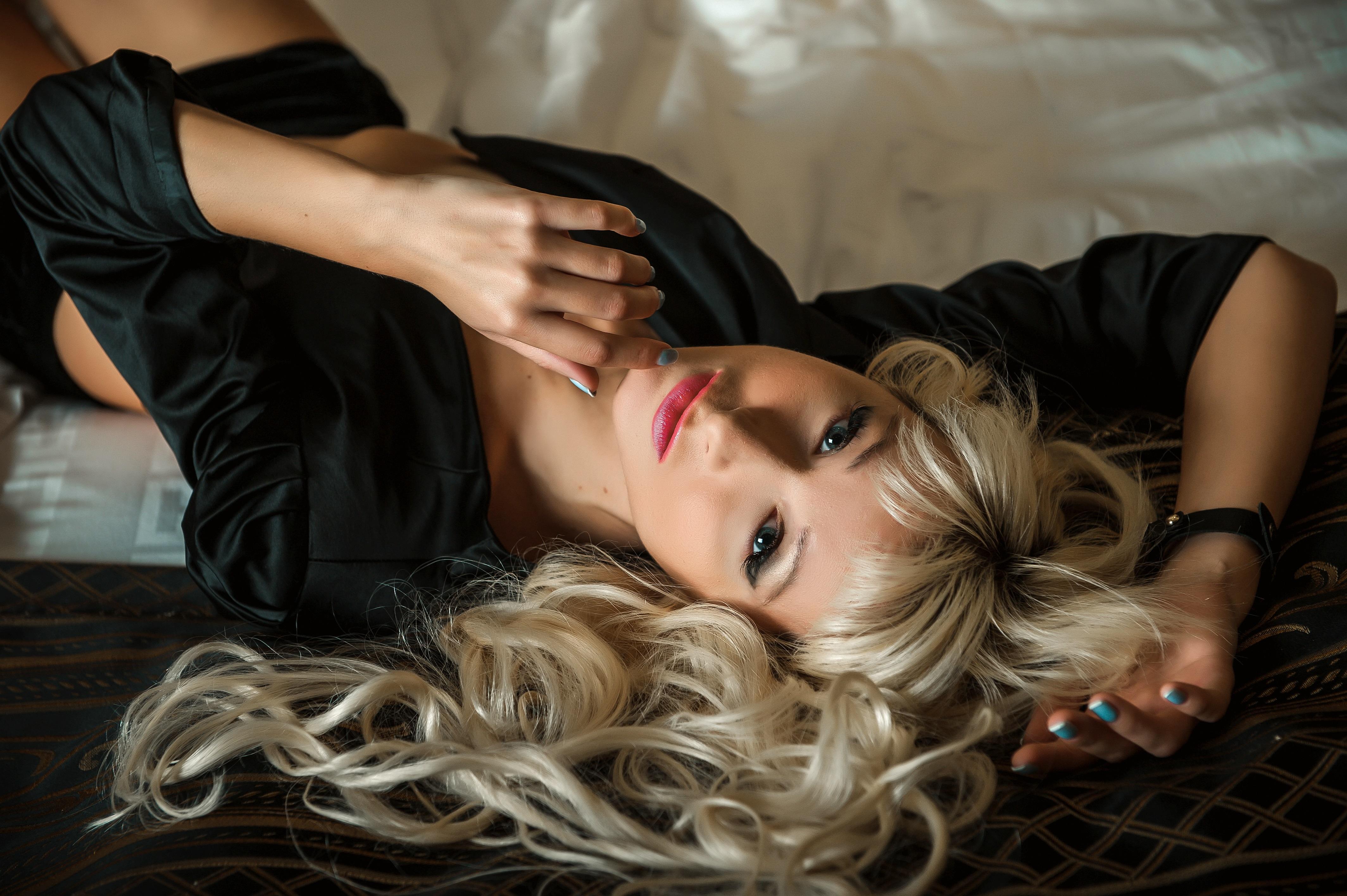 Чувственная блондинка Алена