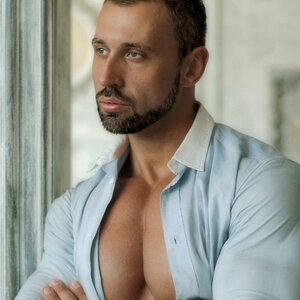 Leonid Tarakanov picture