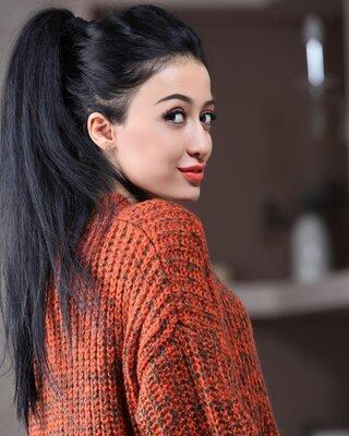 Инесса аракелян фото в офисе за работой девушки