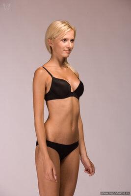 Аня гресь гола работа девушке моделью миасс