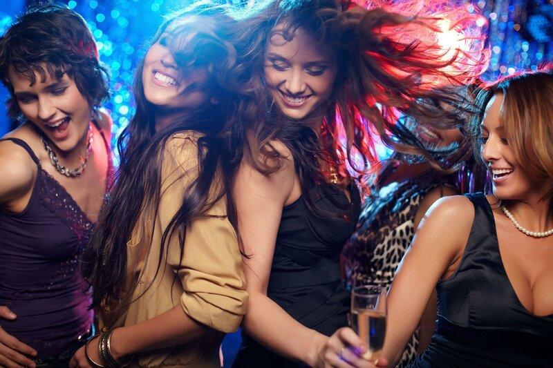 Работа ночью для молодых девушек девушка модель принципы социальной работы