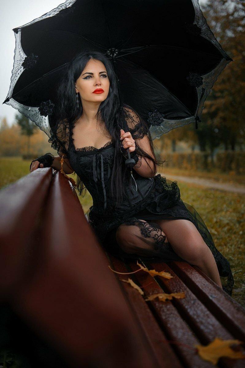 Если хочешь увидеть радугу, ты должен смириться с дождем. (Джеймс Уэст)